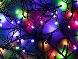 новогодняя цветная гирлянда