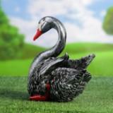 садовая фигура лебедя